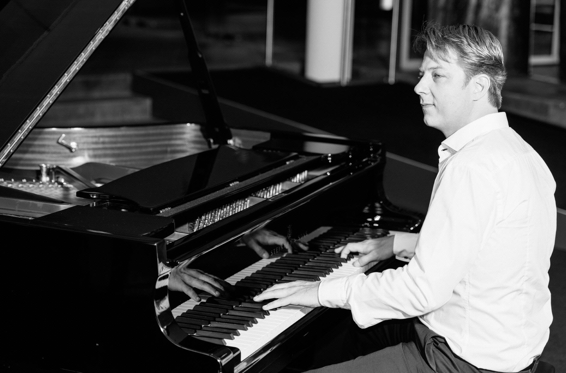 Pianist in Wuppertal: Alexander Hoell